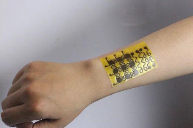 Эта электронная кожа может исцелить себя сама