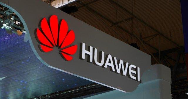 В сети появились рендеры гибрида фитнес-трекера и гарнитуры Huawei TalkBand B5