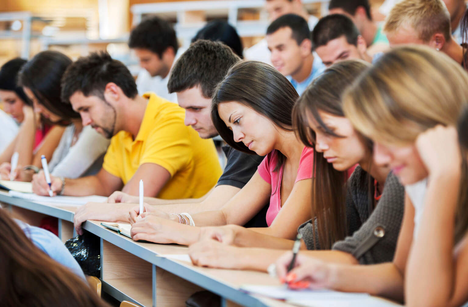 Интернет значительно облегчил жизнь сдающим курсовые студентам