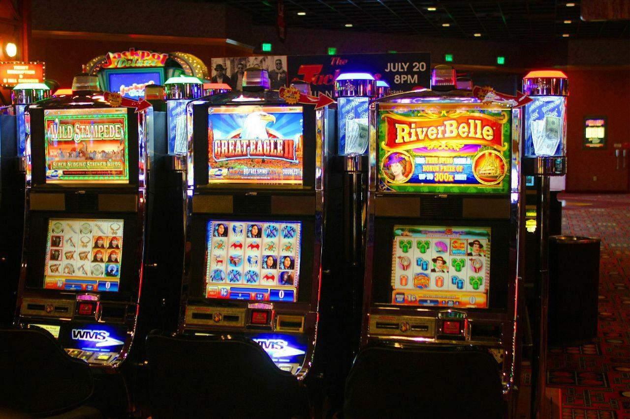 Игровой клуб «Суперслотс» дает возможность играть в лучшие азартные игры