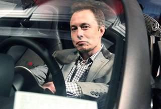 Илон Маск: у меня есть две машины на бензине