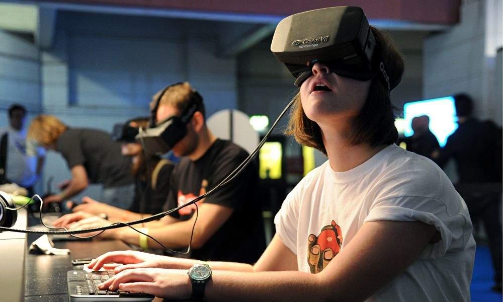 Особенности самых популярных шлемов виртуальной реальности