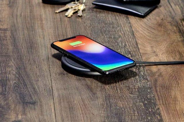 Новое зарядное устройство от Mophie за 60 $ исправляет некоторые проблемы оригинала