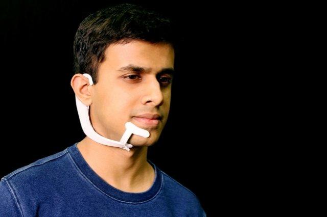 Носимое устройство MIT может «слышать» слова, которые вы говорите в своей голове