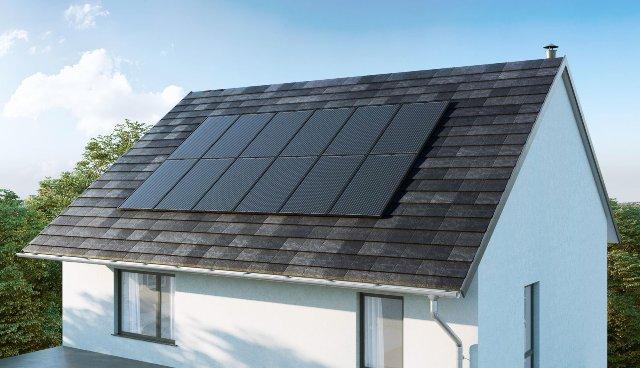 Nissan следует за Tesla со встроенным комплектом солнечных батарей