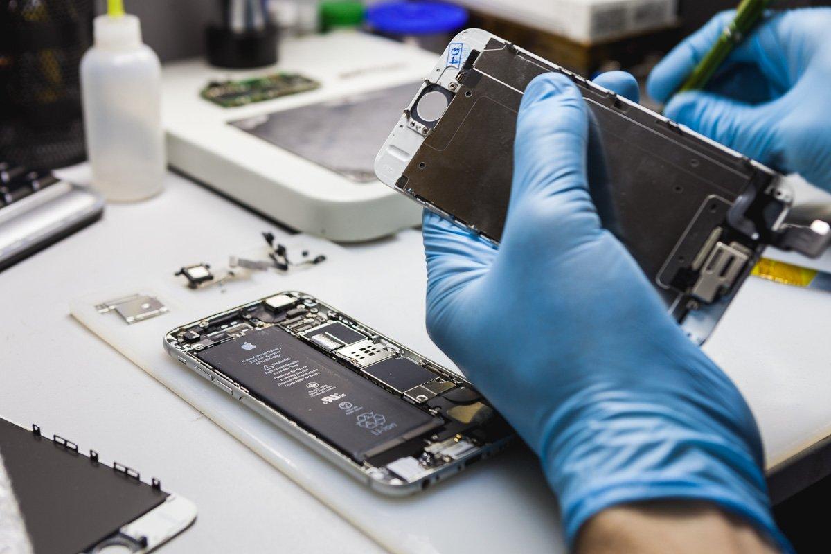 Где можно срочно отремонтировать смартфон в Киеве?