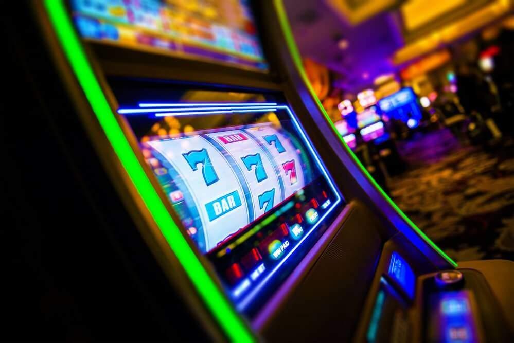 Казино Чемпион предлагает возможность сыграть на деньги в лучшие слоты