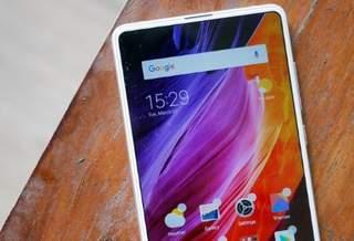 Xiaomi Mi Mix 3 снова показался на «живом» снимке