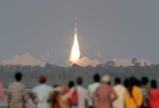 Индия теряет связь с недавно запущенным спутником