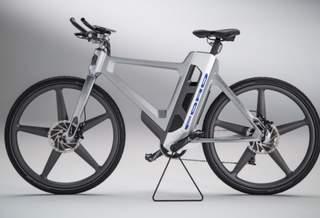 Электровелосипед Ford вибрирует от вида ям на дороге