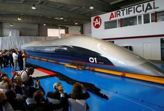 Показана первая пассажирская капсула Hyperloop Transport Technologies