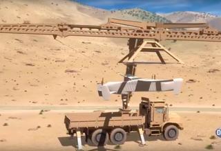 В DARPA разработали устройство захвата дронов