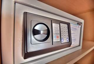 Какие бывают и как пользоваться сейфами в гостинице